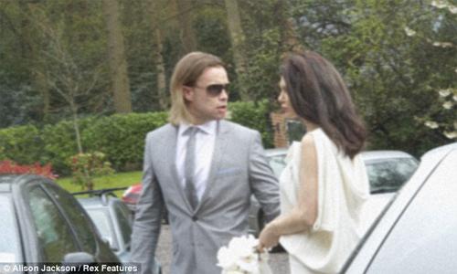 HOT: Jolie-Pitt lộ ảnh cưới giả - 6