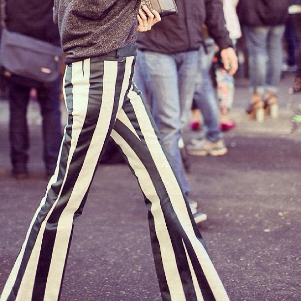 Kéo dài đôi chân bằng quần sọc dọc - 14