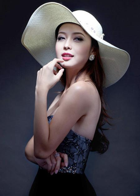 Hoa hậu Việt làm đẹp như thế nào? - 2