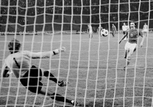 Euro 1976: Tuyệt chiêu Panenka - 4