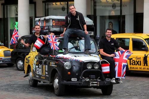 Kỷ lục đi taxi vòng quanh thế giới - 1