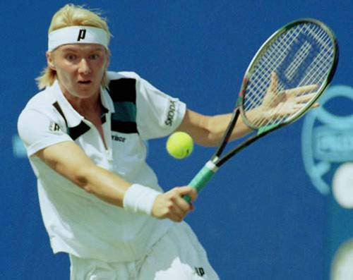 Tennis: Các bước cơ bản thực hiện quả cắt trái - 1