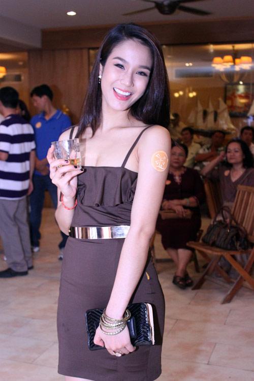 """Phút """"xì tin"""" của siêu mẫu Thanh Hằng - 18"""