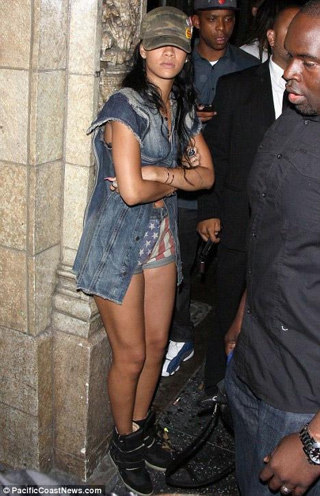 Paris Hilton lại bị cảnh sát sờ gáy - 6