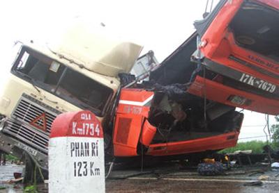 Những vụ tai nạn xe khách thảm khốc nhất - 6