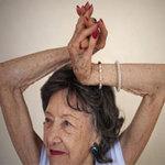 Phi thường - kỳ quặc - 93 tuổi vẫn làm giáo viên dạy yoga