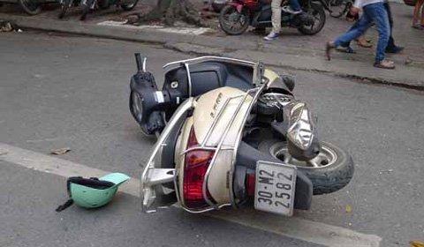 """Hà Nội: """"Xe điên"""" đâm 4 xe máy, 1 người chết - 5"""