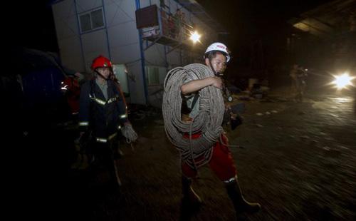 TQ: nổ đường hầm quốc lộ, 20 người chết - 1
