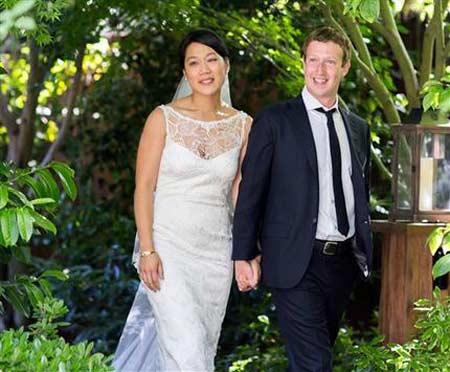 Sau IPO trăm tỷ đô, sếp Facebook kết hôn - 1