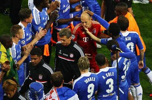 Robben: Trái tim pha lê - 2