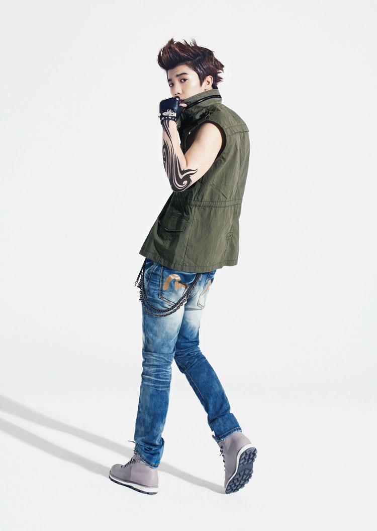 11 cách phối jeans sành điệu cho chàng - 8
