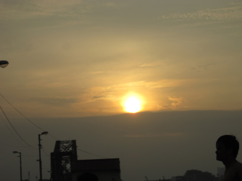 Ngắm nhật thực một phần tại Hà Nội - 2