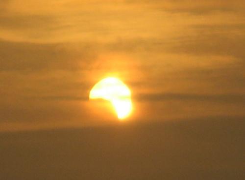 Ngắm nhật thực một phần tại Hà Nội - 3