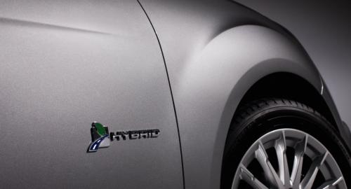 Ford C-Max đối đầu Toyota Prius v: Ai hơn ai? - 8