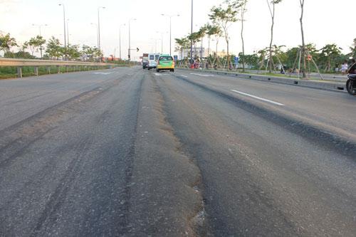 Lún nặng trên đại lộ hiện đại nhất TP.HCM - 6