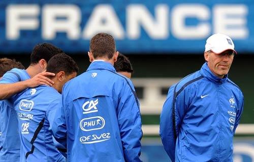 ĐT Pháp: Ngày tập đầu chỉ có 8 người - 1