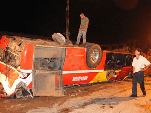 Tai nạn ở Sêrêpôk: Tìm nguyên nhân từ mặt cầu - 1