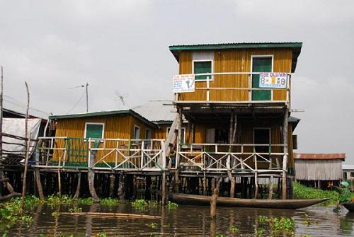 Ngôi làng trên hồ độc đáo ở châu Phi - 8