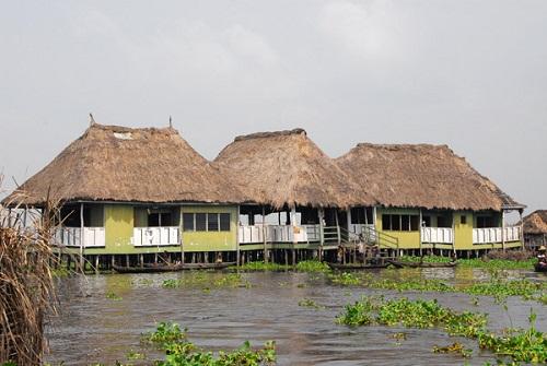 Ngôi làng trên hồ độc đáo ở châu Phi - 21