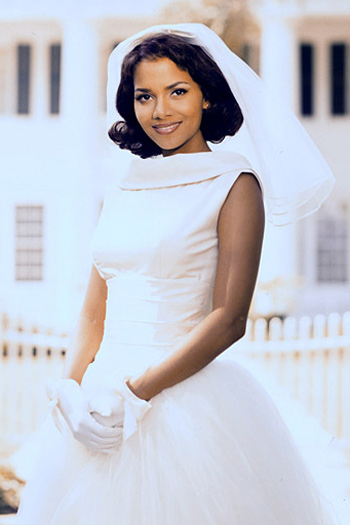 Top váy cưới đi vào lịch sử Hollywood - 20