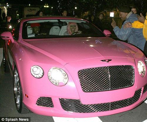 Top 12 chiếc xe màu hồng dành cho người giàu - 12