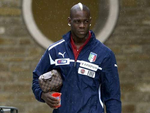 "HLV Italia ""uốn nắn"" Balotelli  trước thềm Euro - 1"