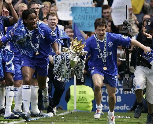 Drogba rời Chelsea: Tạm biệt người hùng - 3