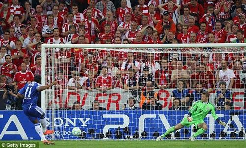 Drogba rời Chelsea: Tạm biệt người hùng - 7
