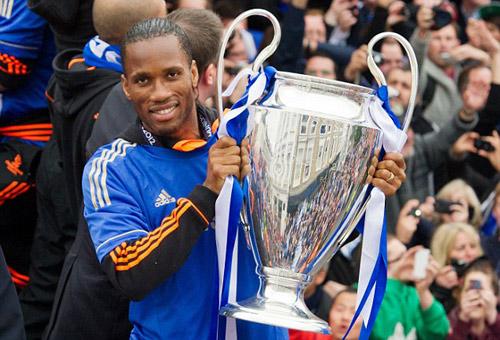 Drogba rời Chelsea: Tạm biệt người hùng - 9