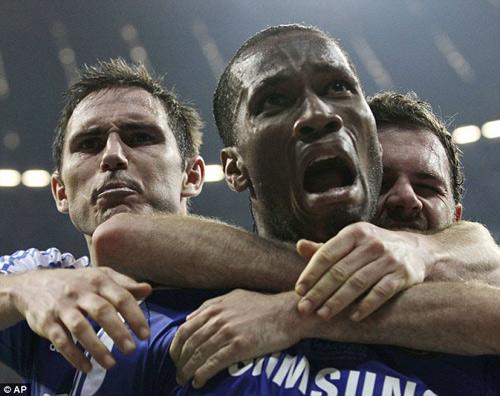 Drogba rời Chelsea: Tạm biệt người hùng - 8