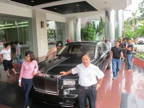 Rolls-Royce hình rồng giá 35,5 tỷ VND về nước - 1
