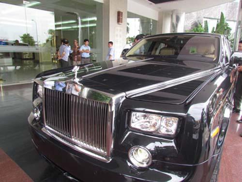 Rolls-Royce hình rồng giá 35,5 tỷ VND về nước - 3