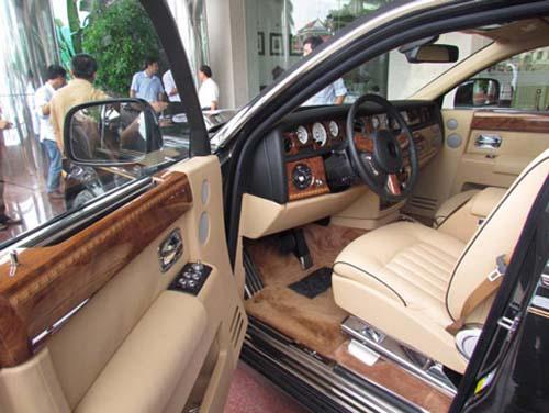 Rolls-Royce hình rồng giá 35,5 tỷ VND về nước - 5