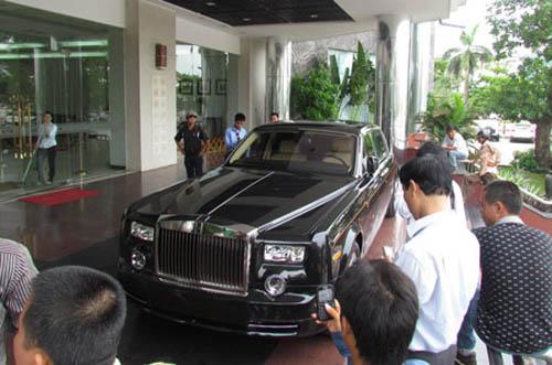 Rolls-Royce hình rồng giá 35,5 tỷ VND về nước - 6