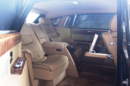 Rolls-Royce hình rồng giá 35,5 tỷ VND về nước - 8