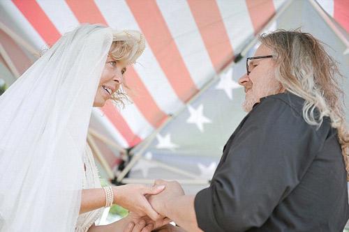 Làm đám cưới ở... nghĩa địa - 3