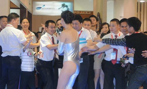 """""""Sốt"""" với diện mạo mới của Gan Lulu - 12"""