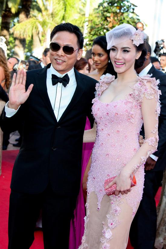 """Cannes: Sao Việt """"so găng"""" với sao ngoại - 4"""
