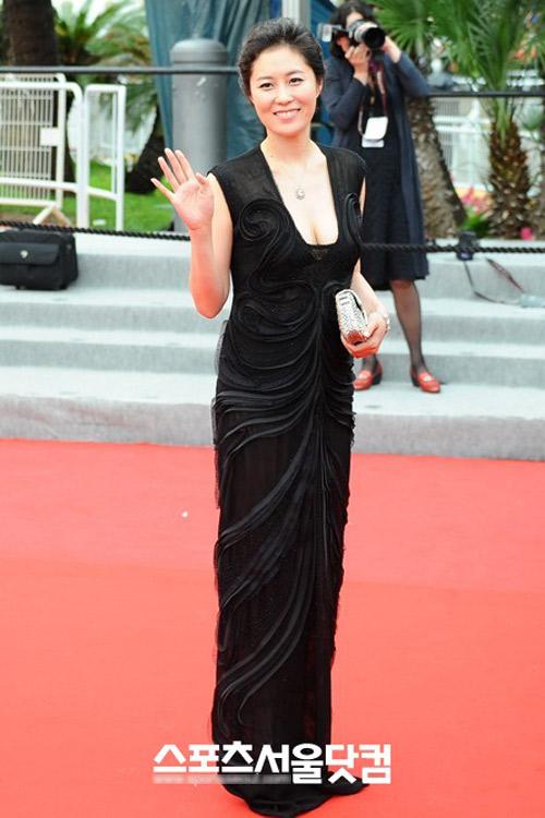 """Cannes: Sao Việt """"so găng"""" với sao ngoại - 19"""