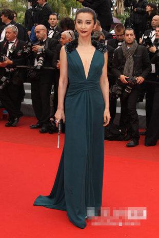 """Cannes: Sao Việt """"so găng"""" với sao ngoại - 16"""