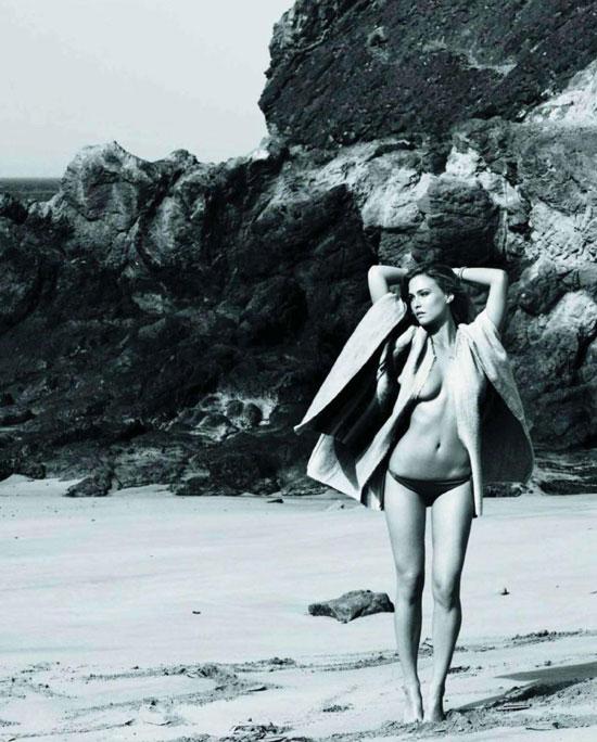Bar Refaeli khỏa thân trên Elle - 13