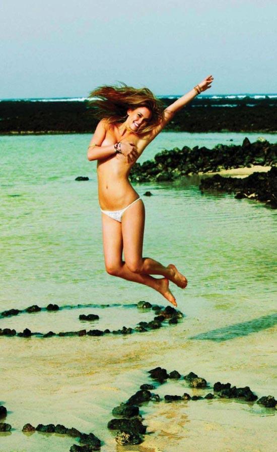 Bar Refaeli khỏa thân trên Elle - 11