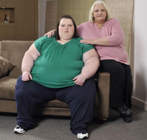 Thiếu nữ 19 tuổi nặng 400 kg - 3