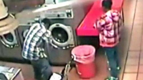 Mỹ: Bé trai 1 tuổi bị nhét trong máy giặt - 1