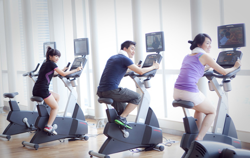 """""""Tóm"""" Miss Teen Linh Hàn đi tập thể dục - 5"""