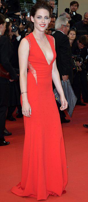 Kristen Stewart phô bờ ngực trắng ngần - 2