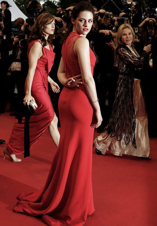 Kristen Stewart phô bờ ngực trắng ngần - 5