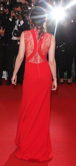 Kristen Stewart phô bờ ngực trắng ngần - 7