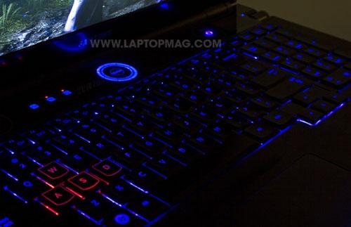 Samsung Series 7 Gamer: Cỗ máy chơi game khổng lồ - 4