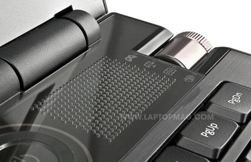 Samsung Series 7 Gamer: Cỗ máy chơi game khổng lồ - 7